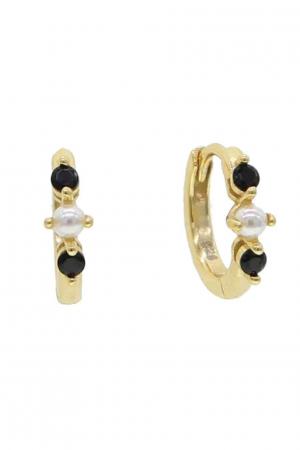 tiny-pearl-onyx-hoop-guld-øre