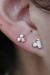 opal-og-blomst-ørestik-guld-øre