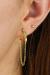 hoop-guld-med-kæde-og-grøn-zirkon-øre